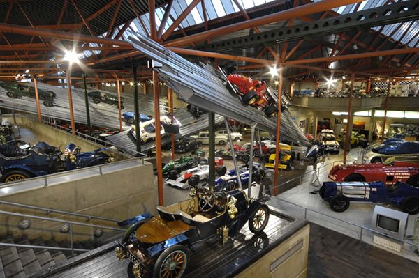 PLACES TO VISIT: National Motor Museum At Beaulieu